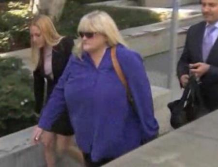 debbie llega a la corte 2013 aeg